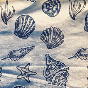 Cream Blue Seashells Tapestry Crate Mat